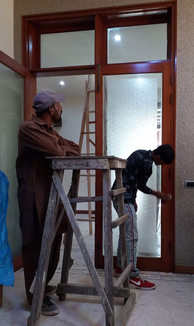furniture polish service in Karachi